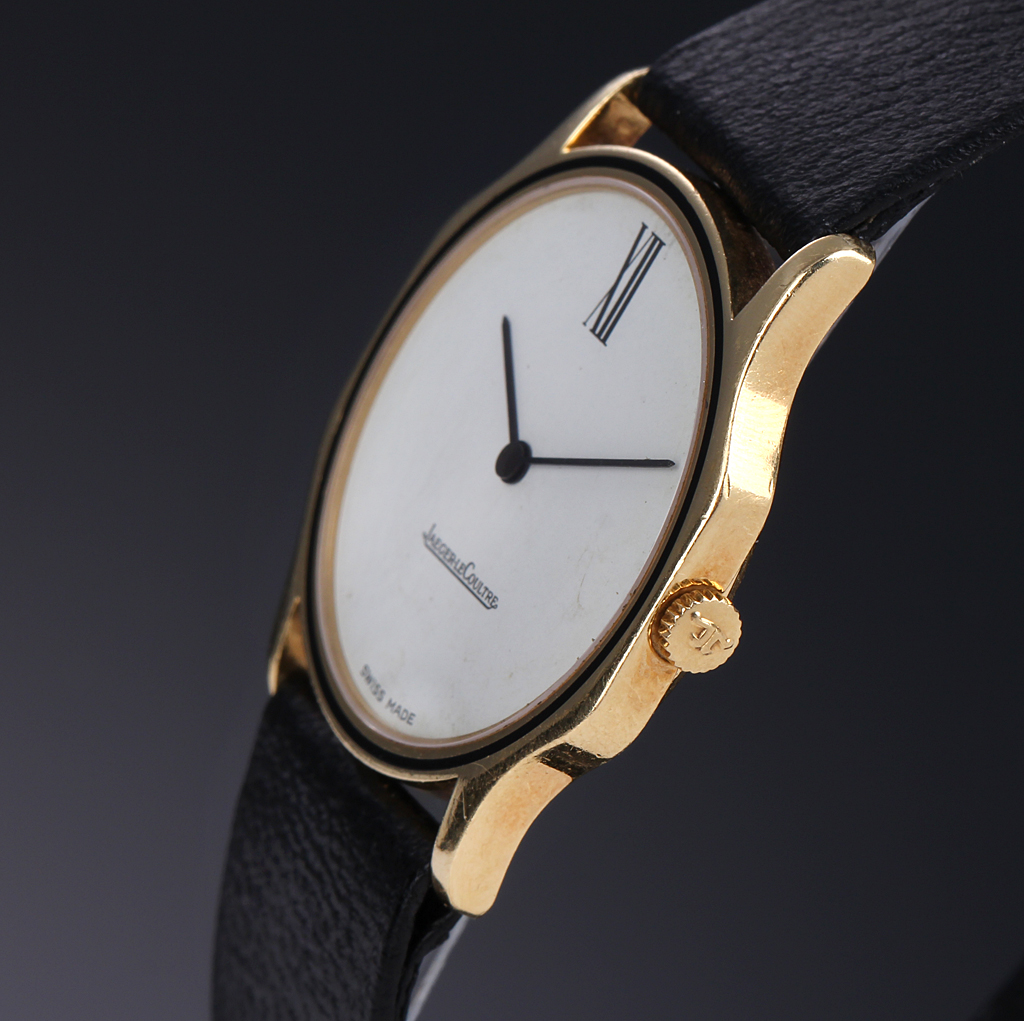 Jaeger LeCoultre. Watch in 18 kt. gold with light slice, about 1980