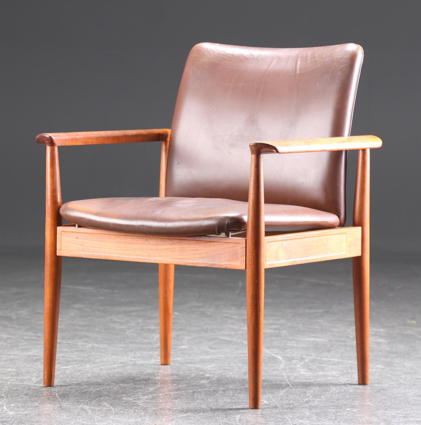 Finn Juhl. Diplomat armchair, teak