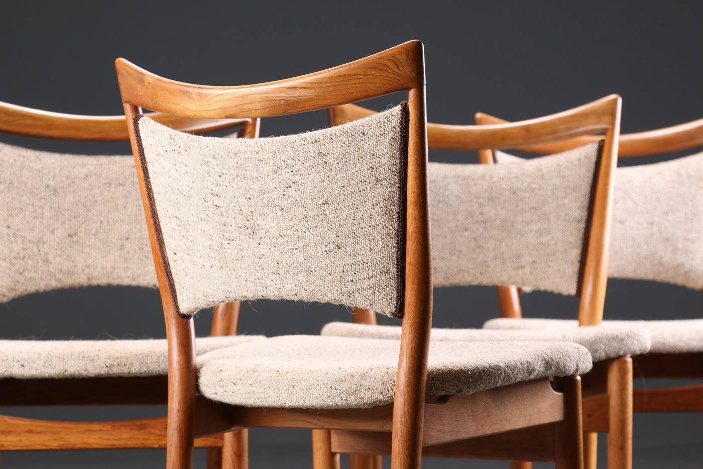 Finn Juhl. Four chairs of oak and teak, model 86 (4)