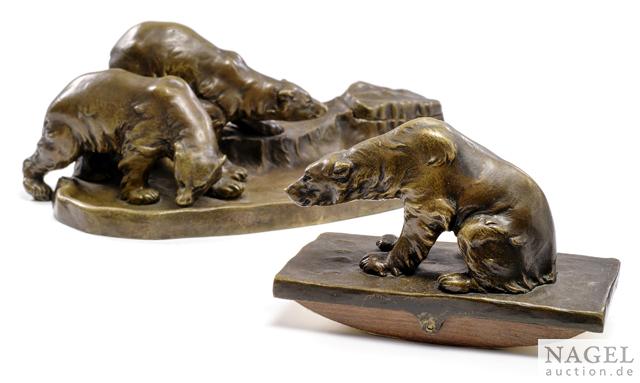 "Titze, A. Austrian, 1920ies. An inkstand and a rocker blotter with polar bears. Bronze, patinated, the rocker blotter signed ""Titze"" and ""16"" (?). Minor wear."