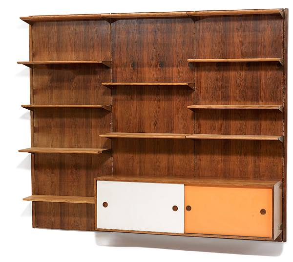 Finn Juhl: Wall unit consisting of three Brazilian rosewood wall panels, 12 solid pine shelves and a Brazilian rosewood sideboard. Manufactured by Bovirke.