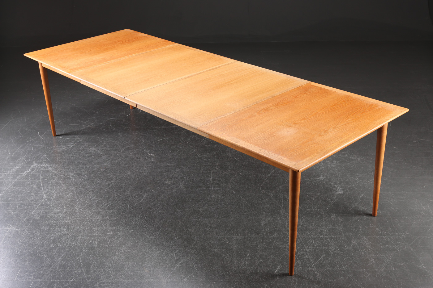 Grete Jalk. Dining table with extension of oak (3)