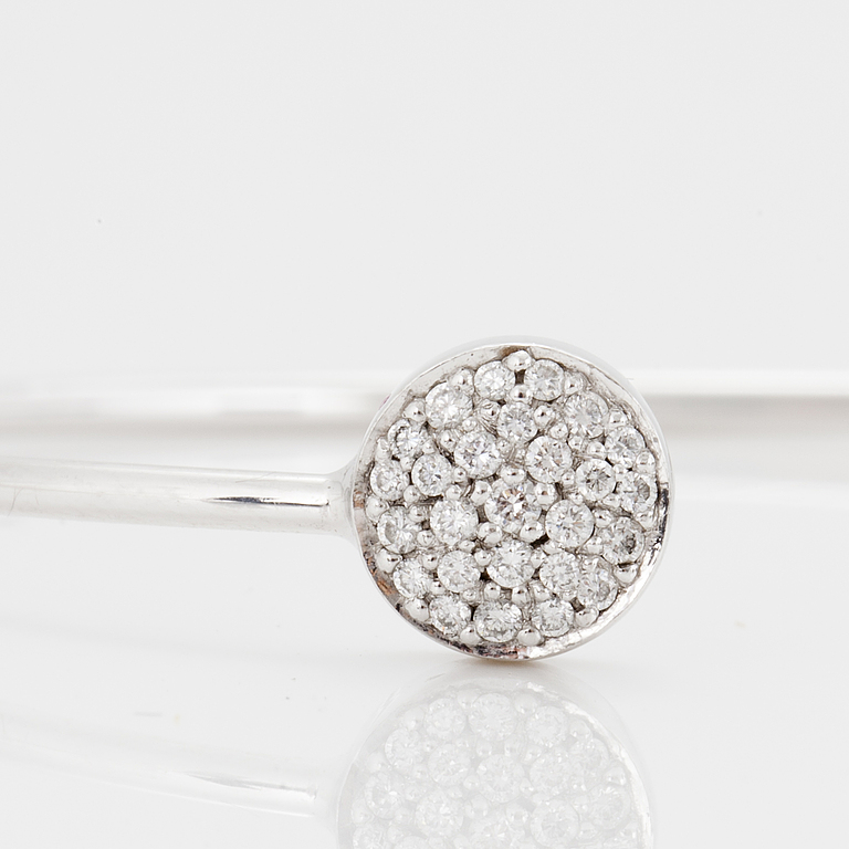 """Bangle """"Rigitze"""". Georg Jensen, with brilliant cut diamonds totaling approximately 0:28 CT."""
