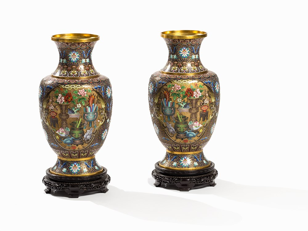 Pair of Cloisonné Vases with '100 Antiquities', 20th C.