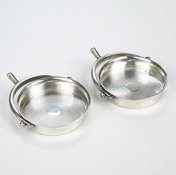 ashtrays, pair