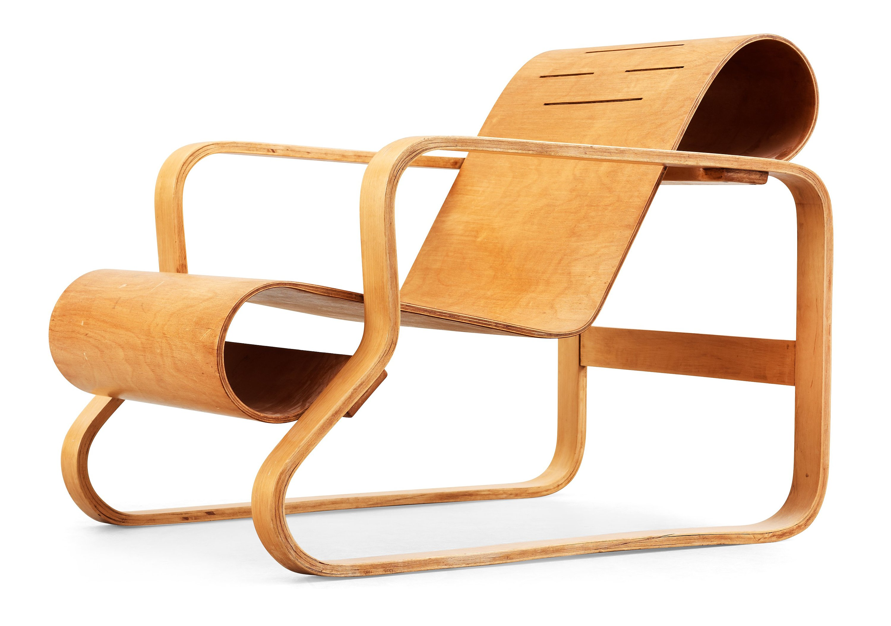 An Alvar Aalto laminated birch and plywood armchair, 'Paimio', model 41, retailed by Finmar Ltd, Finland circa 1932.