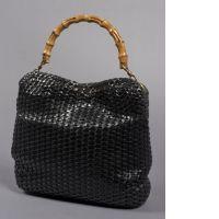 GUCCI, Magnifique sac à main entièrement tressé en cuir noir ébène ave