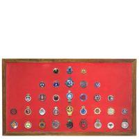 Collection de 33 badges automobiles -