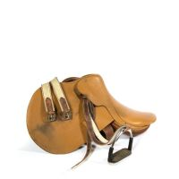 HERMES Paris made in france Selle en cuir naturel grainé. On y joint s