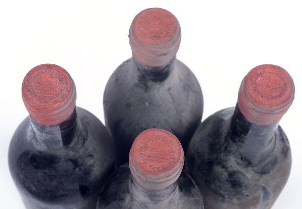 3 bouteilles CHATEAU LAFITE ROTHSCHILD, 1er cru Pauillac 1898 (eta, MB,  mise sous le contrôle de l'Argentier-Cavistedu Luxembourg)