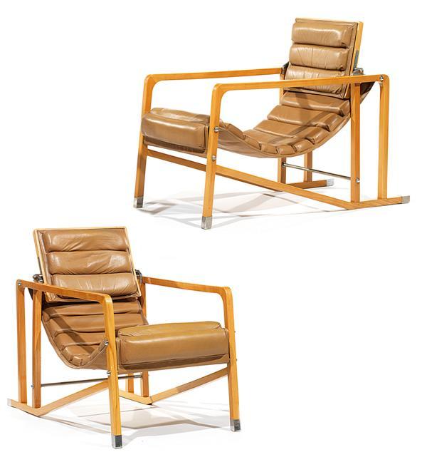 Eileen GRAY (1879-1976) & ECART INTERNATIONAL (Éditeur) Paire de sièges 'Transat', modèle dessiné en 1925, réédition des années 1980, à structure moderniste architecturée en sycomore, sabots, entretoise et fixations en métal nickelé, l'assise et le dosseret mobiles sont tendus d'un cuir camel piqué sellier, formant succession de coussinets hémicylindriques. Haut. 79cm - Larg. 55cm - Prof. 105,5cm