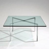 Ludwig MIES VAN DER ROHE (1886 - 1969) Table basse 'Barcelona' - créat
