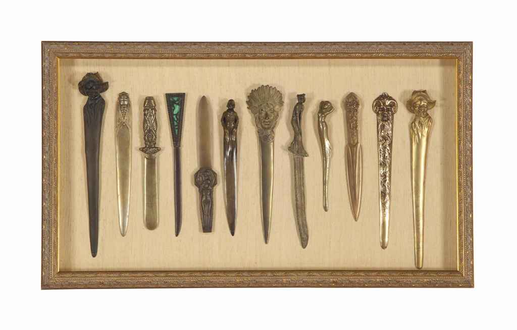 A COLLECTION OF TWELVE LETTER OPENERS,
