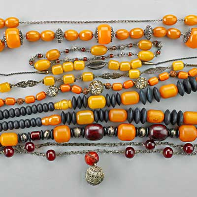 BAKELITE AND OTHER VINTAGE BEAD...