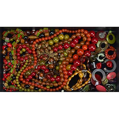 BAKELITE JEWELRY COLLECTION; Twelve...