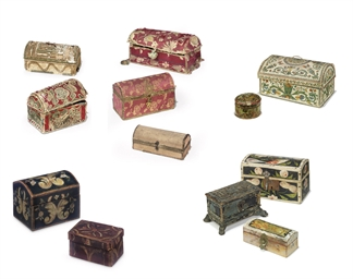 A COLLECTION OF TWELVE CASKETS AND BOXES