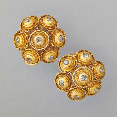 BUCCELLATI 18K GOLD AND DIAMOND EAR...