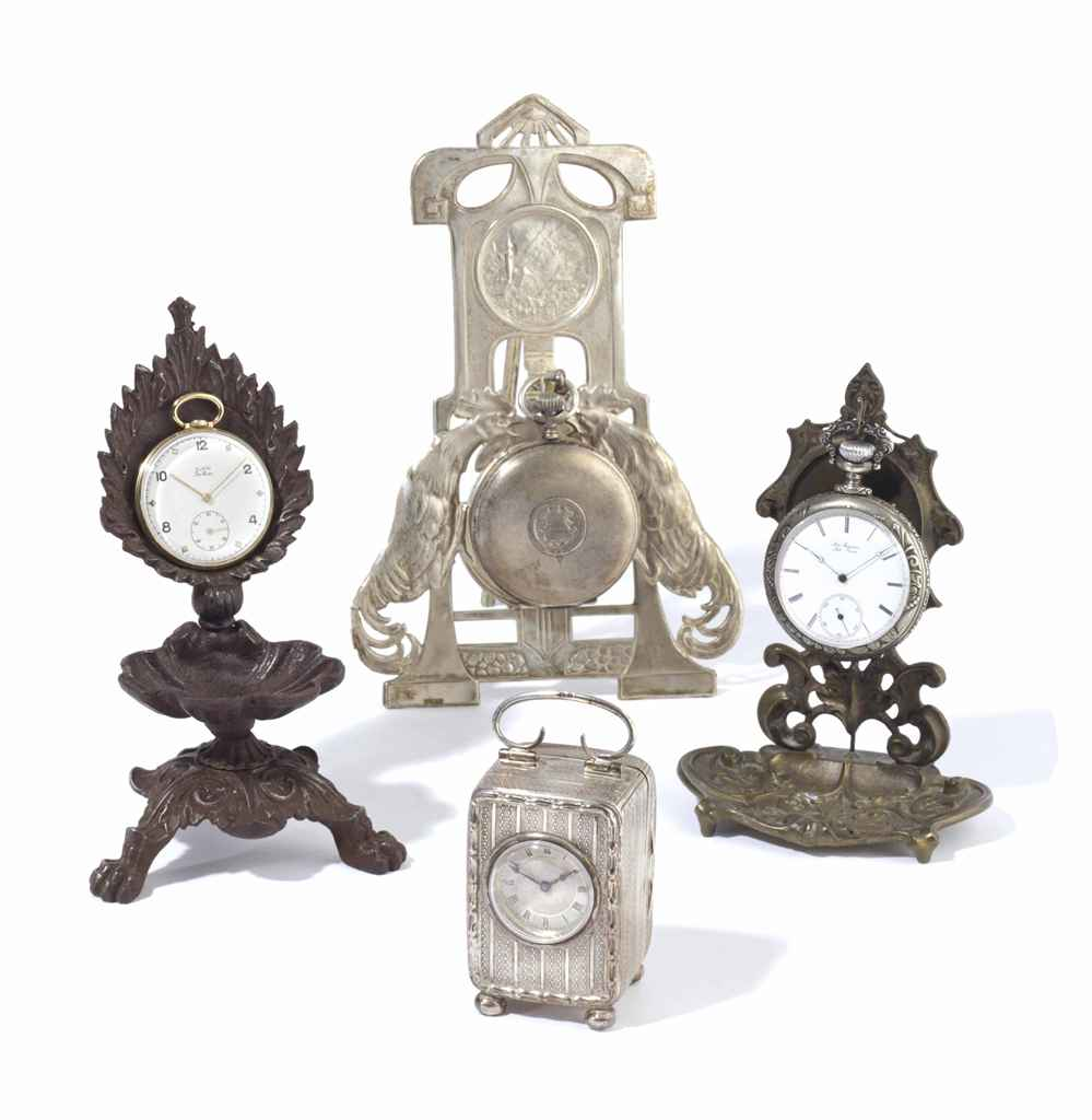 A GROUP OF CLOCKS AND POCKET WATCHES,