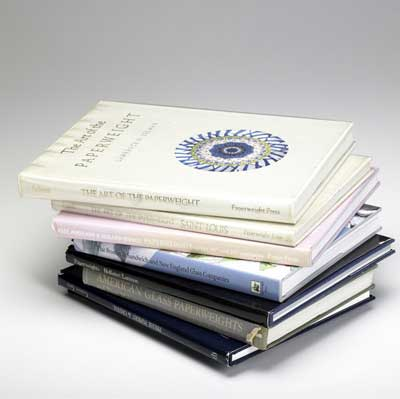 PAPERWEIGHT REFERENCE BOOKS Approx....
