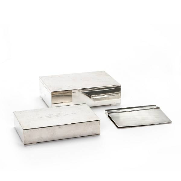 P. Hertz: Notebook of sterlingsilver; two silver cigar boxes. (3)