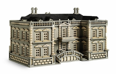A LEGO MODEL OF A PALLADIAN HOUSE