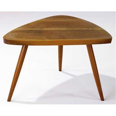 GEORGE NAKASHIMA Walnut Wohl table....