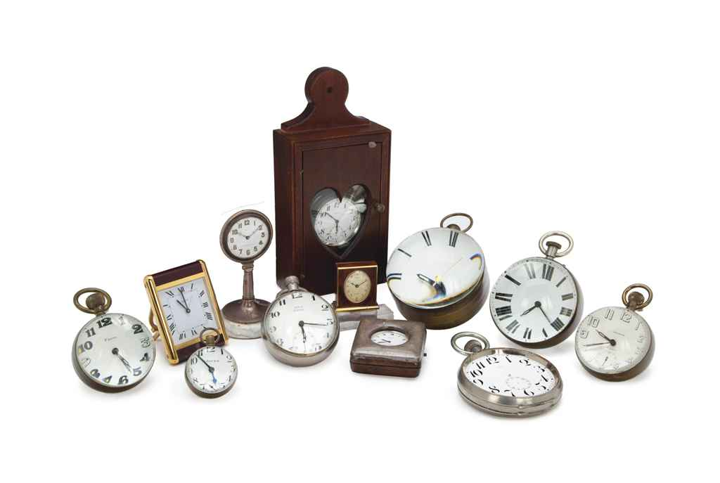 A COLLECTION OF TWELVE TABLE CLOCKS AND POCKET WATCHES,