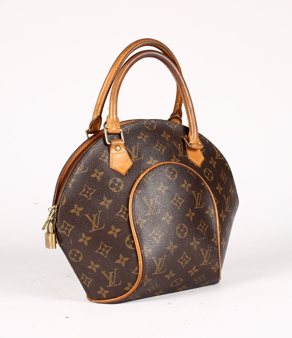 a5a7c2611928 Auction results for Louis Vuitton Luggage bag