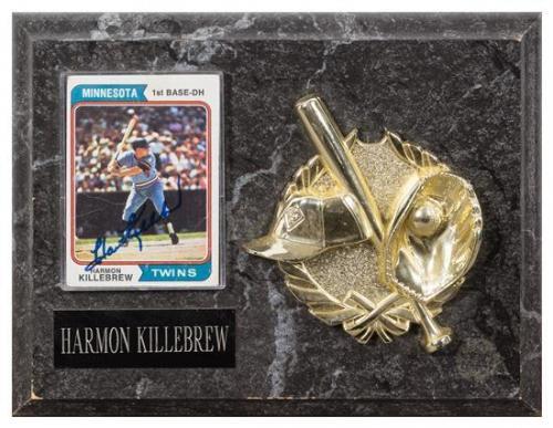 A Harmon Killebrew Autographed Baseball Card Card 3 1/2 x 2 1/2 inches.