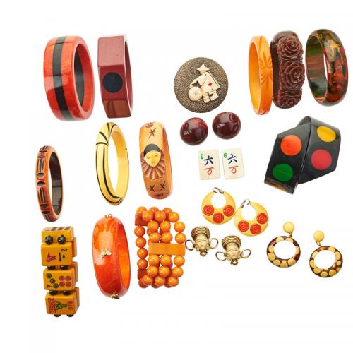 BAKELITE, RESIN OR BONE BRACELETS & JEWELRY