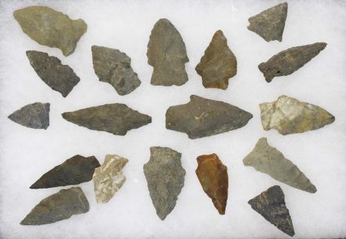 "Duffel Flats, Fonda, NY Archaic arrowheads, points- 18 pcs, length 1""- 2"""