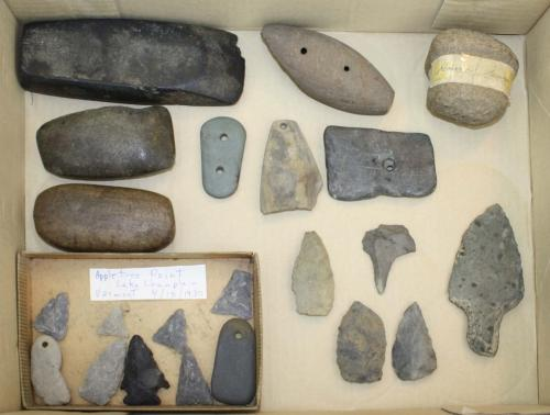 Vermont prehistoric artifacts including arrowheads, points from Appletree Point (Burlington), Vermon