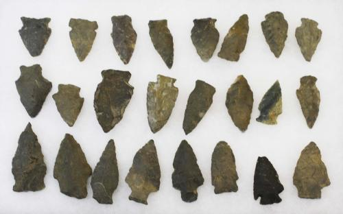 """Fonda, NY Archaic & transitional lithic artifacts including arrowheads, points- 24 pcs, 1.5""""- 2.25"""""""