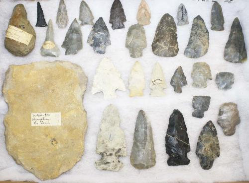 Tennessee prehistoric lithic artifacts, Archaic to Woodland period- arrowheads, points, drills, scra