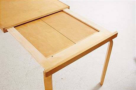 Dining table Alvar Aalto