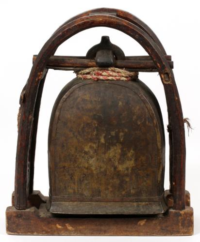 CHINESE ANTIQUE BRONZE TEMPLE BELL