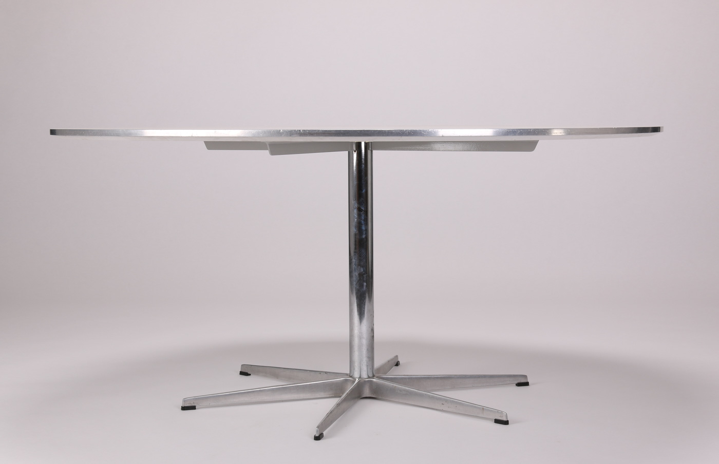 Bruno Mathsson and Piet Hein. Super circle dining table white laminate