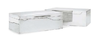 A PAIR OF GEORGE V SILVER CIGAR-BOXES