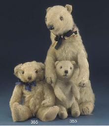A Dean's Rag Book Co. Brumas and Ivy Polar Bears