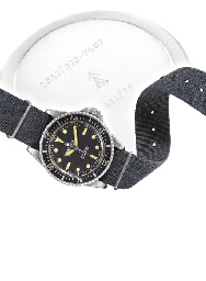 ROLEX. A FINE AND RARE STAINLESS STEEL AUTOMATIC WRISTWATCH WITH CENTRE SECONDS, MILITARY MARKINGS AND HANDS