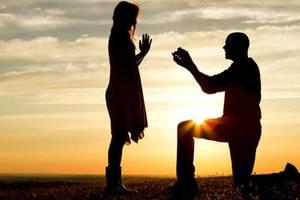 Size 960 16 9 homem ajoelhado fazendo um pedido de casamento