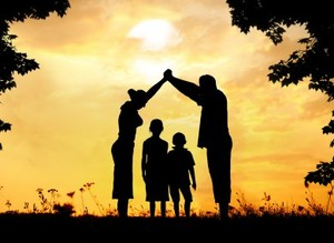 Family silhouette 390x285