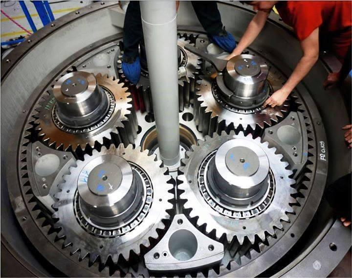 Giant-Industrial-planetary-gearbox.jpg