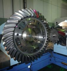 Huge-bevel-gear.jpg
