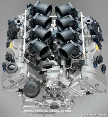 Top View No Cover V-8 Engine of Ford Mustang 2015