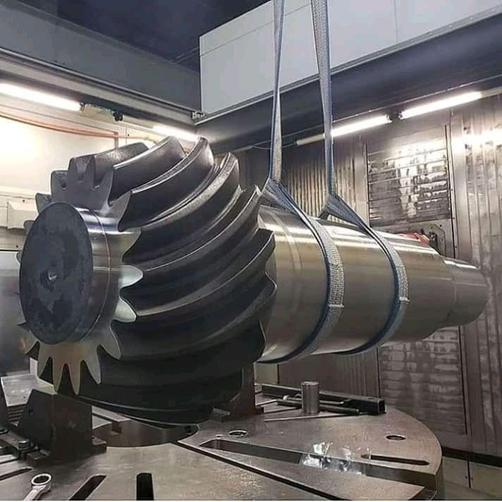 Huge pinion shaft.jpg