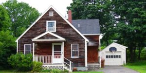 15 Washington Ave – Adorable In-Town Home