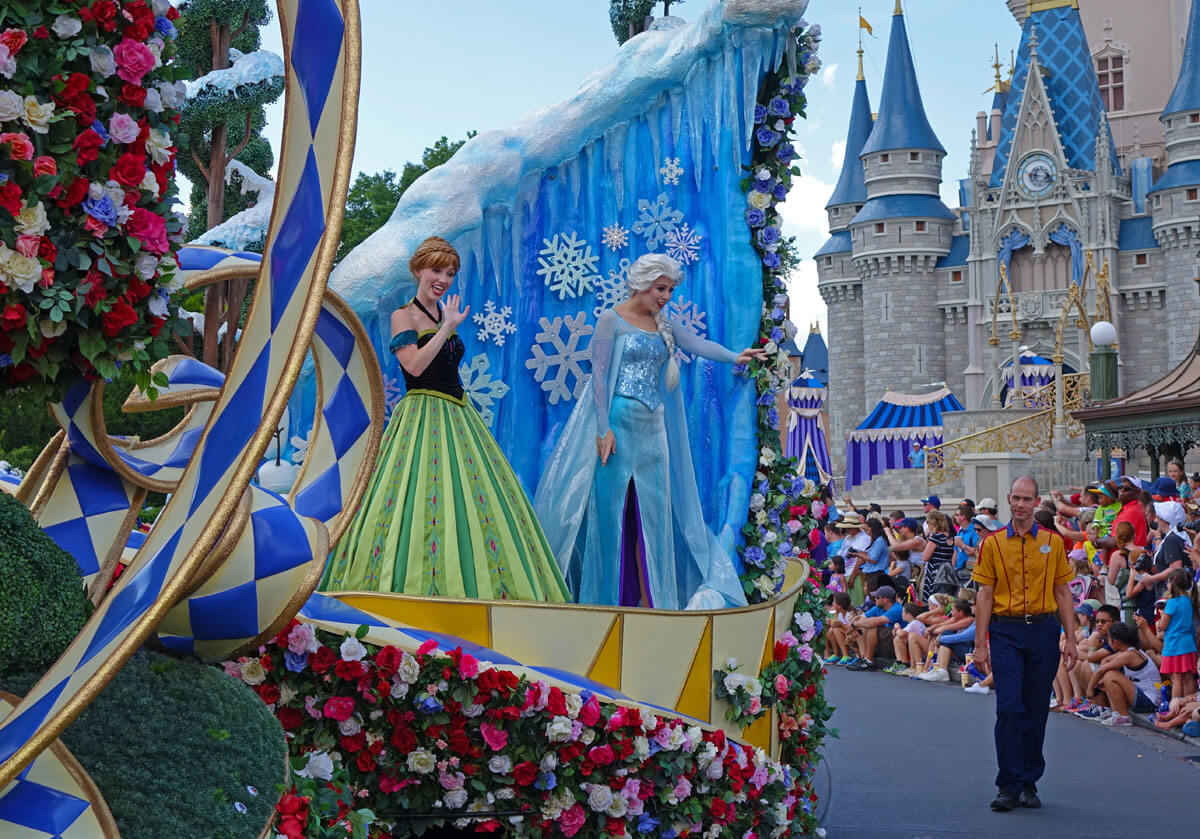 Meeting Elsa and Anna at Disney World - Disney Festival of Fantasy