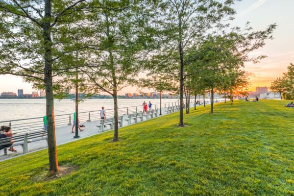 Chelsea Waterside Park New York New York County United States By Panedia