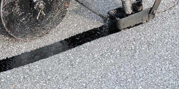 crack filling driveway